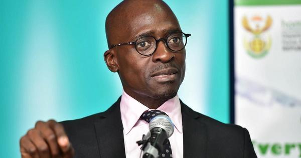 Gigaba denies receiving bags of cash from the Guptas | eNCA