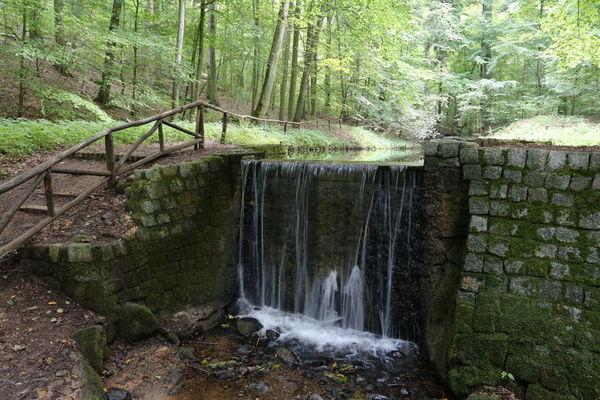 Der Wasserfall im Cöthener Park. Foto: Grewe