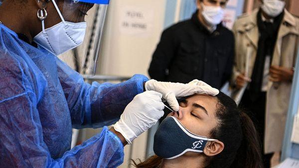 Test PCR gratuit côté Français: beaucoup de Belges passent la frontière pour le réaliser - Gratis PCR-test in Frankrijk: veel Belgen steken de grens over