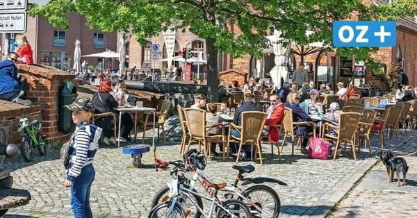 Langsam mehr Normalität nach dem Lockdown in Wismars Altstadt und Hafen