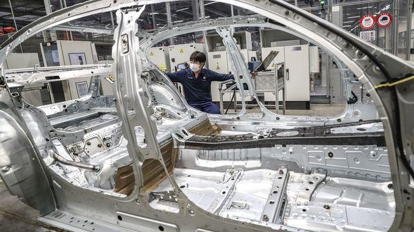Klimasünder Auto-Produktion? BMW will Lieferkette klimafreundlicher machen