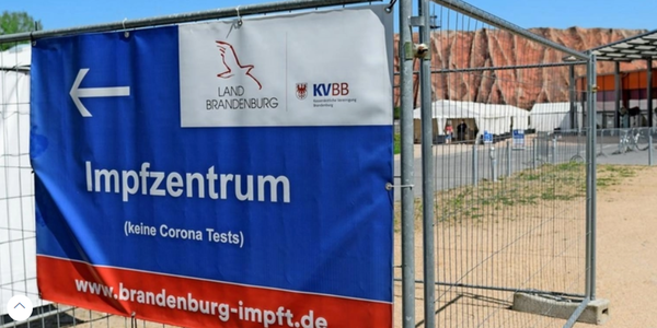 Das Impfzentrum steht neben dem Filmpark Babelsberg. Foto: Bernd Gartenschläger