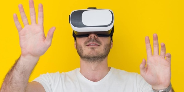 Virtual reality pornography heightens feelings of intimacy and attributions of intelligence