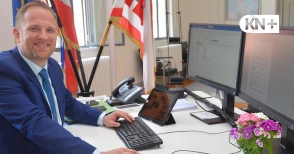 Toni Köppen hatte ersten Arbeitstag als Bürgermeister von Bad Segeberg