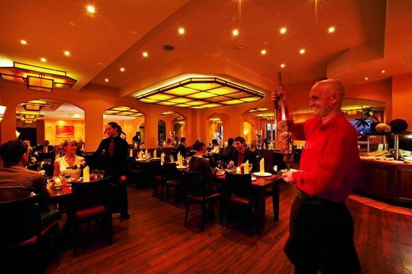 """Feurigen Charme versprüht das Grillrestaurant """"Toro Negro"""" im Hotel Esperanto, das ab heute wieder geöffnet hat"""