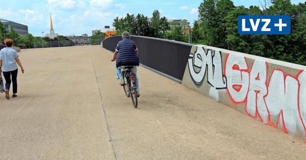 Neue Messebrücke in Leipzig kurz nach Freigabe mit Graffiti beschmiert
