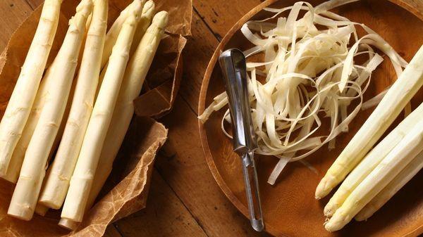 Gemüse verwerten: So nutzen sie wirklich alles von Spargel, Blumenkohl, Karotte und Co.