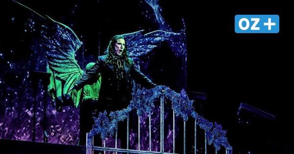 """Musical-Premiere in Stralsund: Selbst """"Dracula"""" muss sich an die Corona-Regeln halten"""