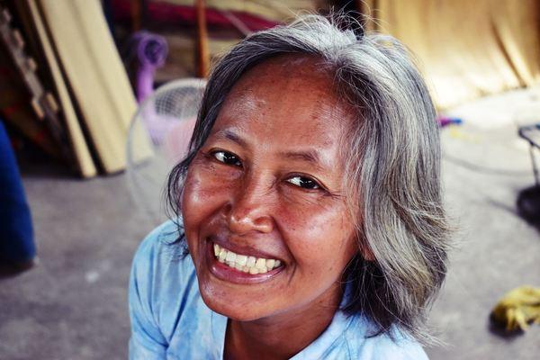 """Le combat de """"Green Angèle"""" contre les pesticides en Thaïlande"""