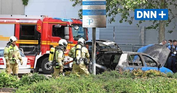 Brennende Autos halten Feuerwehr in Atem