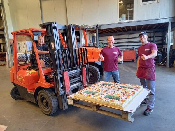 De Rijk sluit project af met vierkante meter taart