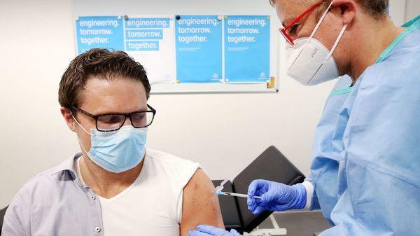 Herzmuskelentzündung nach Corona-Impfung: Untersuchung zeigt erhöhtes Risiko für junge Männer