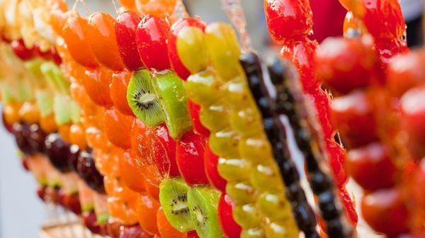 Kandierte Früchte: Rezeptideen zum zuckersüßen Food-Trend auf Social Media zum Nachmachen