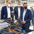 Umbau zum E-Auto-Werk: Cem Özdemir besucht Volkswagen in Zwickau