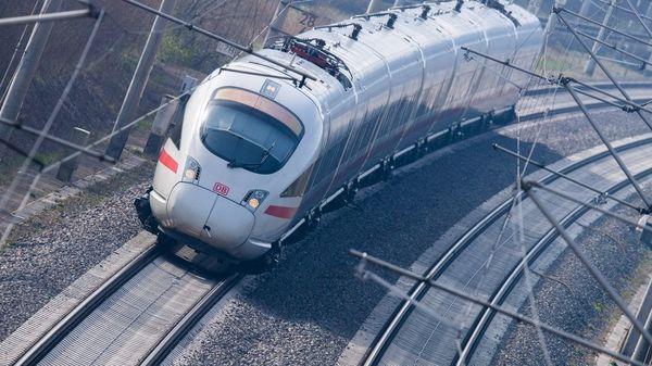 Tarifverhandlungen gescheitert: Lokführer bei der Bahn kündigen Streik an