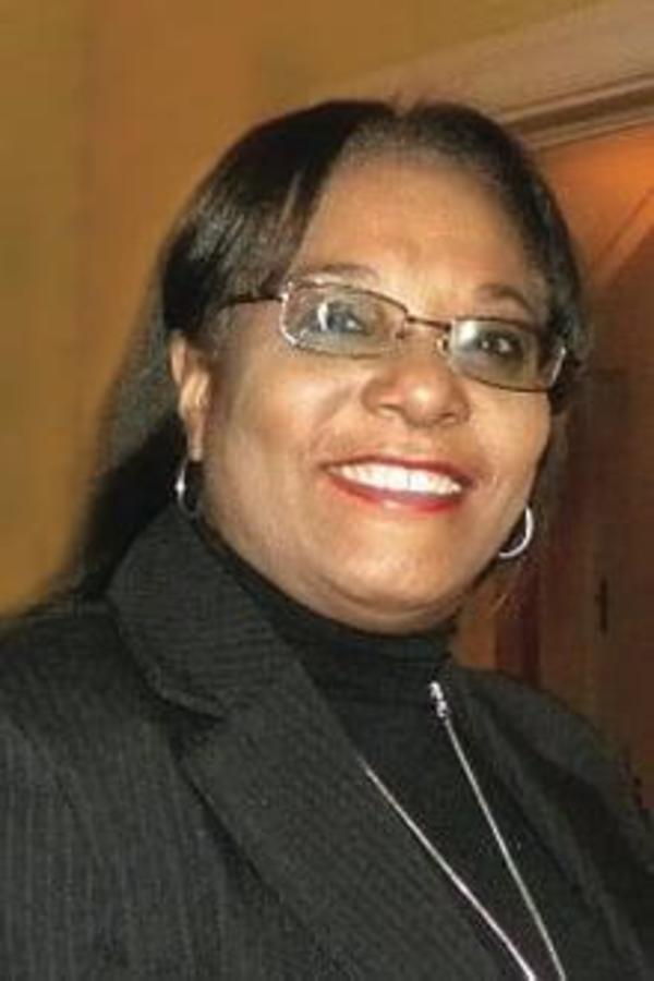 Dr Marie-Yolène Surena