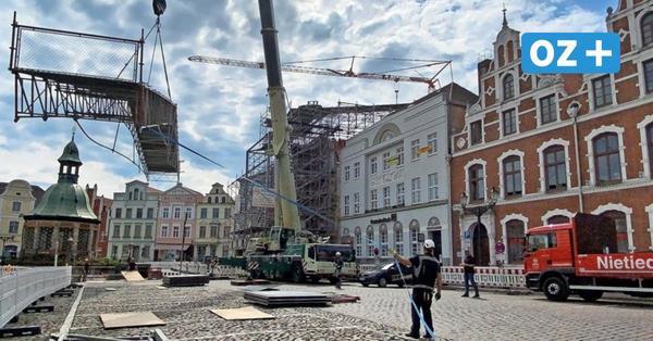 Brandhäuser in Wismar: Notdach findet seinen Weg zurück nach Hamburg