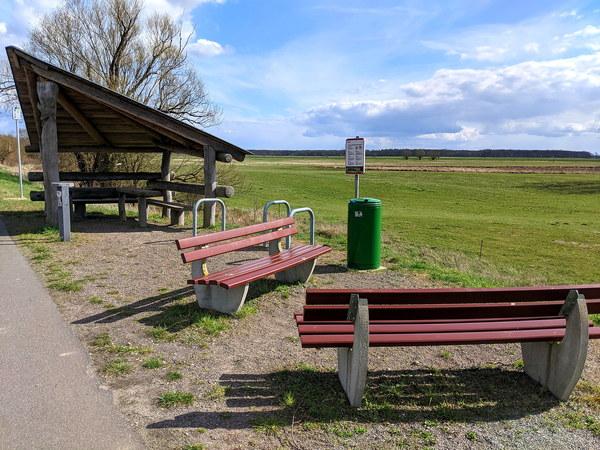 Ein Rastplatz bei Jederitz lädt zur Pause ein. Foto: Lars Sittig