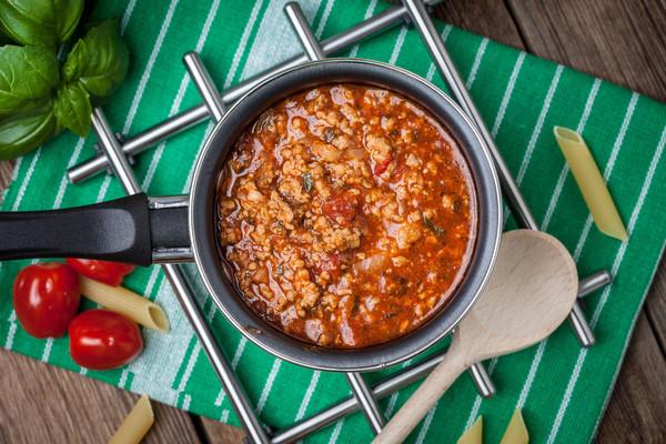 Unser Rezept-Tipp in dieser Woche: Tomatensauce - die geht immer! Foto: Imago