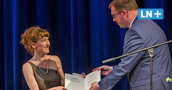 Nora Bossong im Theater Lübeck mit dem Thomas-Mann-Preis ausgezeichnet