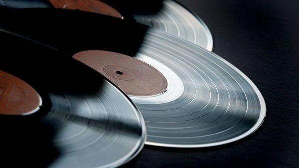 Vinyl-Verkäufe steigen weiter: Rockmusik besonders beliebt