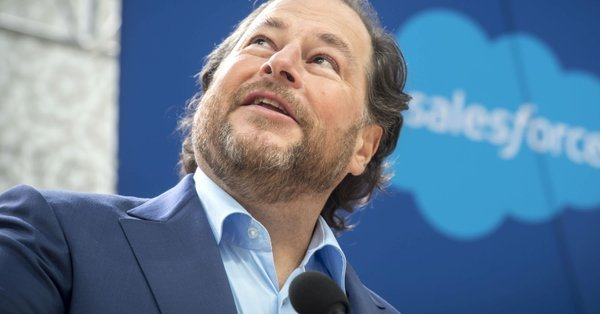 """🟣 Evan Kirstel $B2B on Twitter: """".@Benioff says he expects 50% to 60% of #Salesforce #employees to #workfromhome even after the pandemic ends, up from about 20% before the pandemic hit (@levynews) #wfh #remotework @karenmangia https://t.co/aftyGd6hJq"""""""