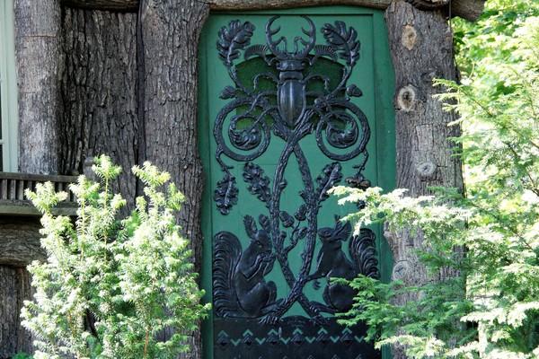 Wo befindet sich dieses Tür? (Foto: Marlies Schnaibel)