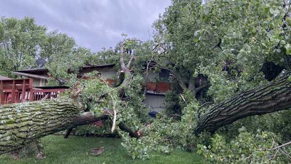 Evergy says its crews working to restore power to thousands in the Kansas City area