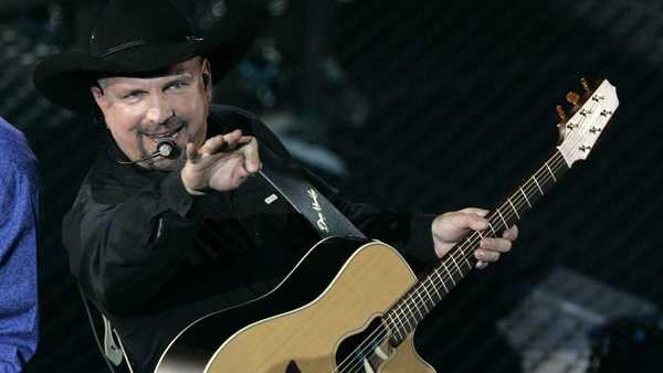 More than 73,000 tickets sold Friday for Garth Brooks' upcoming concert at Arrowhead Stadium