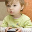 Etude : la télévision allumée pendant les repas associée à un plus faible développement du langage chez les 3-6 ans