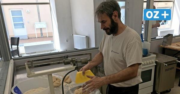 Neue gläserne Bäckerei in Neubukow: Hier sehen Kunden wie Brot und Kuchen entstehen