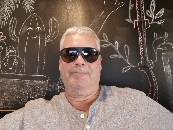 I like the drawings on the wall behind my desk here at Startit, Novi Sad, Serbia and it is ok to wear sunglasses inside. Picture; Privat