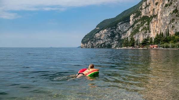 Corona: Wo dürfen Geimpfte im Sommer frei reisen und was müssen sie im Urlaub beachten?