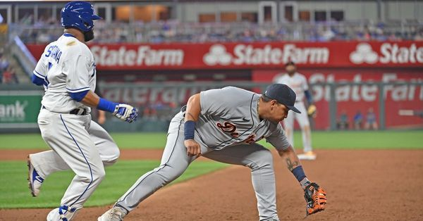 No clutch hitting leads to 10-3 loss to the Tigers - Royals Review