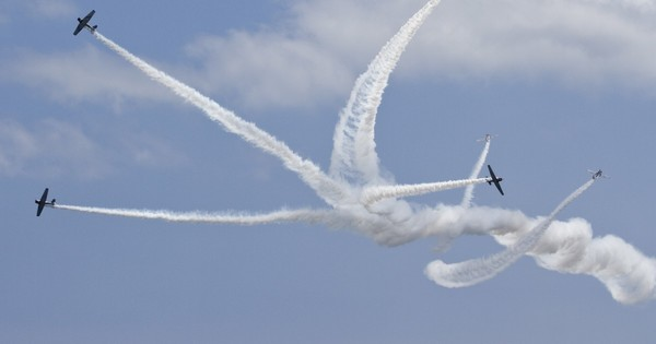 Team of 'skytypers' to join 2021 Kansas City Airshow