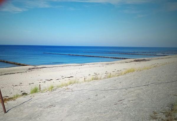 Einige Strandabschnitte sind auch im Sommer nicht zu voll. (Foto: Ralf Pegler)