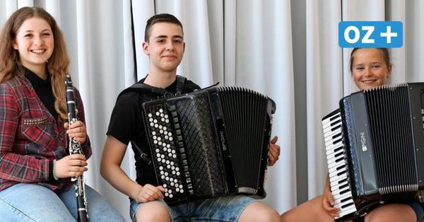 Harmonika-Verband ehrt junge Wolgaster Talente: Was die drei Nachwuchsmusiker auszeichnet