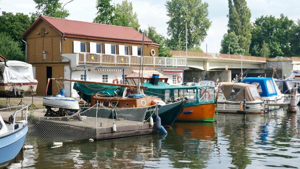Port du « Norddeutscher Sportboot Club » sur la Bille (AD)