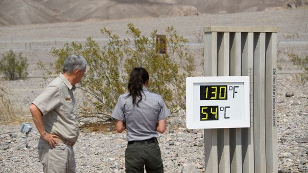 Heat Wave Unleashes Record-High Temps From California To Great Plains : NPR