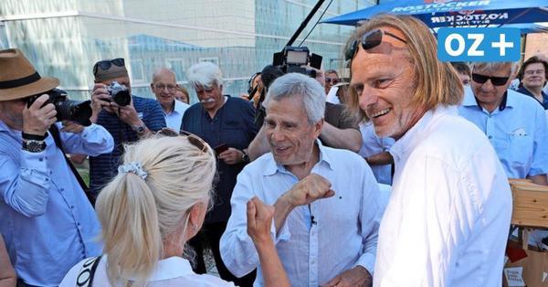 Rostock feiert Gojko Mitić: Welche Rolle er gerne noch spielen würde und warum er Räucheraal liebt