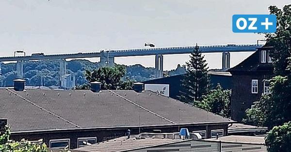 Schwerer Unfall zwischen Rügen und Stralsund: Mann in Auto auf Rügenbrücke eingeklemmt