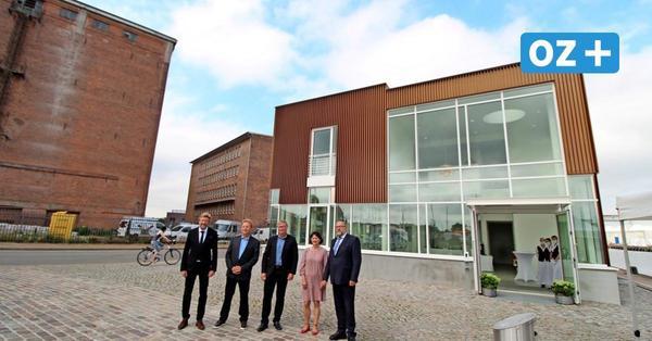 Wismar weiht Kreuzfahrt-Gebäude ein – So viele große Schiffe werden 2021 im Hafen erwartet