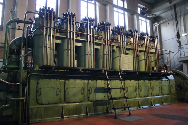 Der 1000PS-Dieselmotor auf dem Funkerberg. Foto: Nadine Pensold