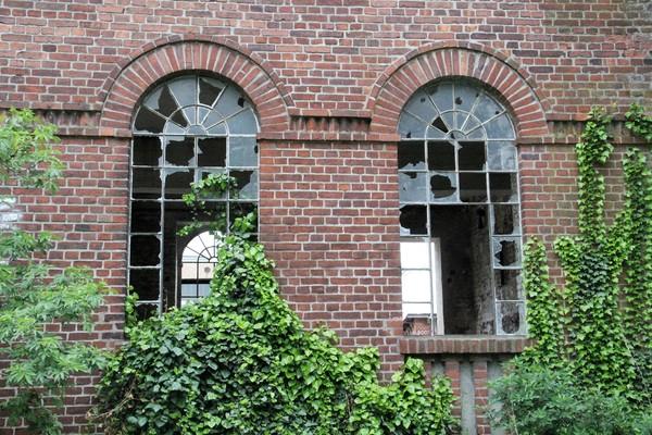 Fenster in Nauen. (Foto: Marlies Schnaibel)