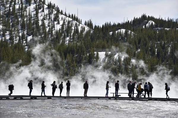 Report: Climate change means less snow for Yellowstone