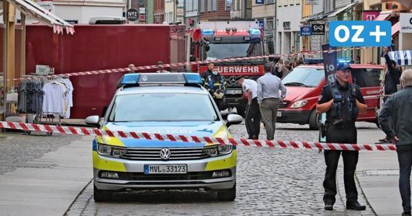 Polizei sperrt Straße vor Merkelbüro in Stralsund ab: Das ist der Grund