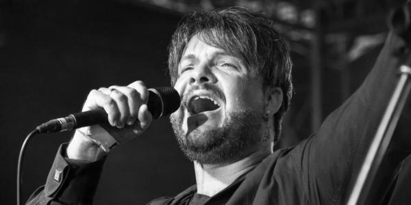 Schaumburgs Rockröhre Rouven Tyler ist im Alter von 43 Jahren gestorben. Foto: jp