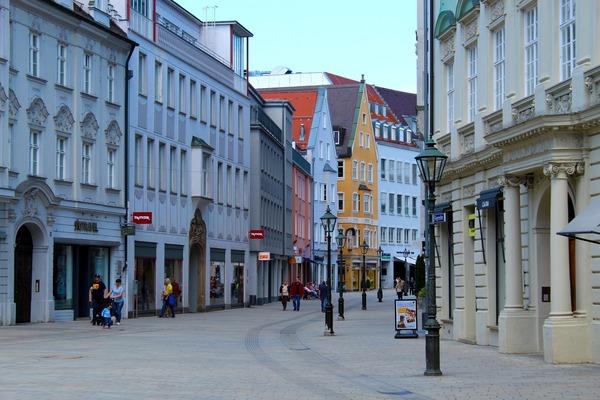 Alles ziemlich leer hier: Fußgängerzone in Augsburg Quelle: bboellinger/pixabay