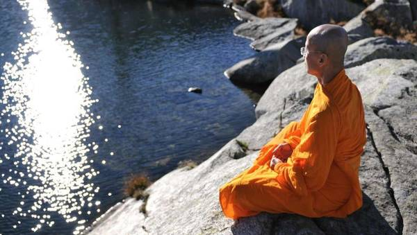 « Créer la paix mondiale à travers la paix intérieure »: le parcours spirituel d'un moine bouddhiste