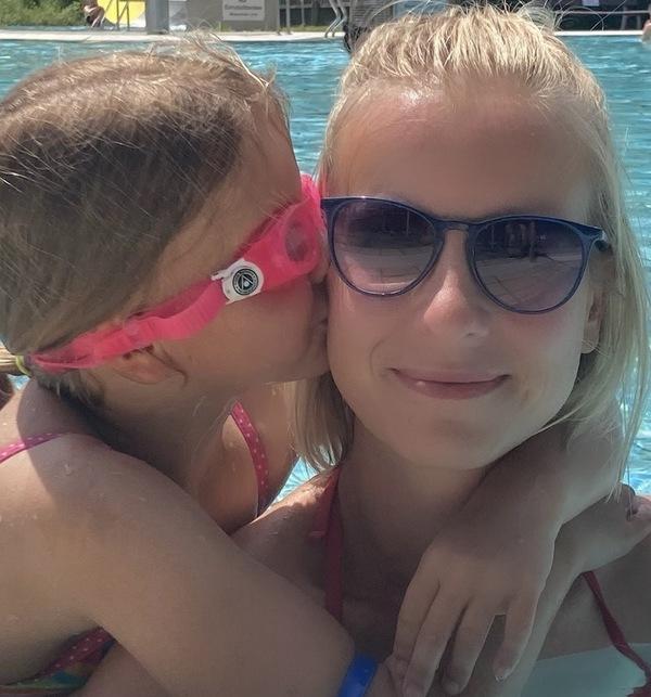 Kolumnistin Kristina Kolodzik mit ihrer Tochter